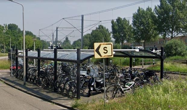 <p>De huidige fietsenstalling bij de halte Sacharovlaan.</p>