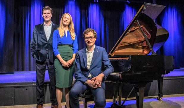 Vincent Kusters (bariton), Loes van Schothorst (sopraan) en Wouter Harbers (piano)