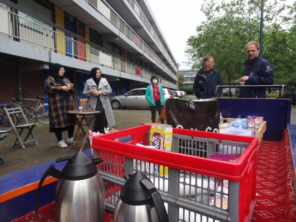 Portaal houdt de hele zomer op verschillende locaties in Smitsveen een koffie-inloop. Johan van Beek © BDU media