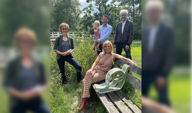 <p>Vanaf links: Nanda van Bodegraven (filosoof), Joyce Langenacker (burgemeester), Willem Jansen (wethouder) en Guus Bakker (voorzitter Humanistisch Verbond Amsterdam-Amstelland).</p>