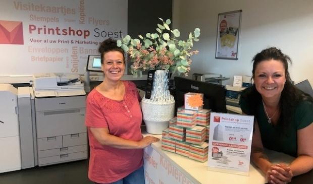 <p>Wendy Jansen en Saskia van Zoeren van Van de Ven For Office and More, voorheen KantoorExpert.</p>