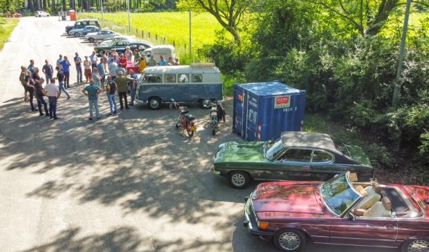 Het gezelschap vertrok vanaf het oude Bad Bloemendal terrein aan de Bloemendaalseweg.