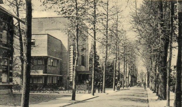 <p>Destijds was de Snouckaertlaan, tot 1917 Soesterweg geheten, een belangrijke verkeersroute richting Amsterdam, Hilversum en Soest.</p>