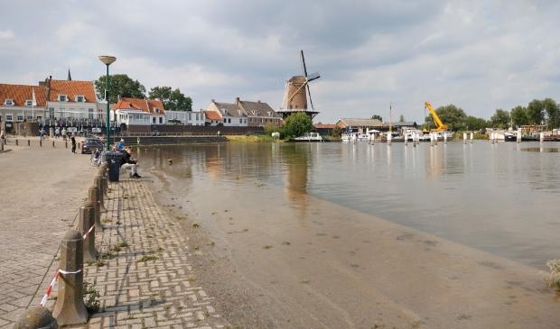 <p>Wijk bij Duurstede en het terugtrekkende water (21 juli 2021)</p>