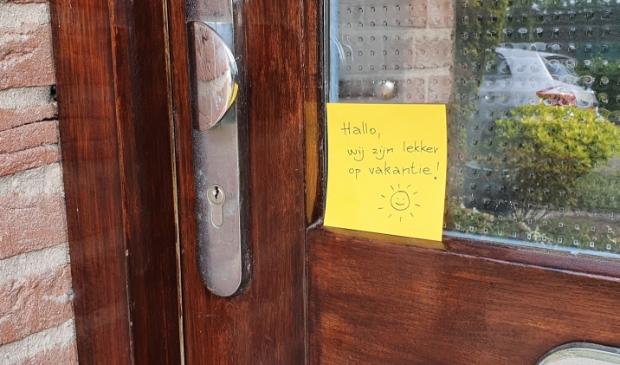<p>Hang geen briefje op de deur</p>