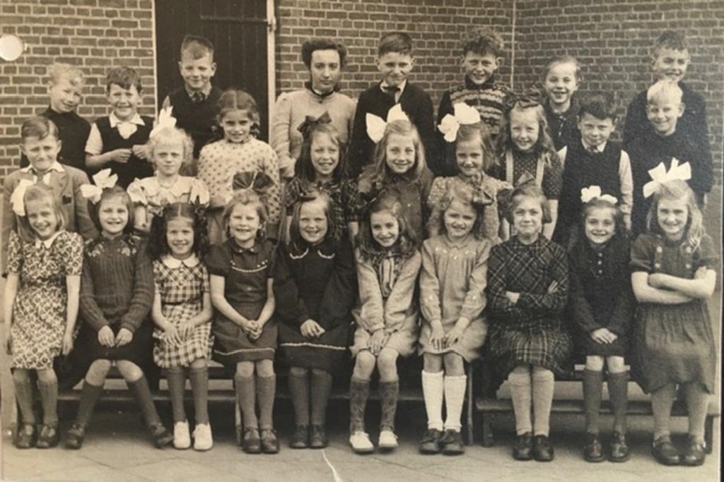 klas 2 uit 1949 van de Wilhelmina school in Giessendam prive © BDU media