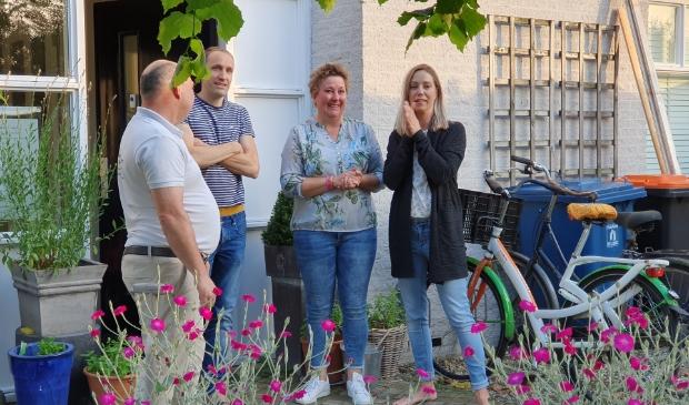V.l.n.r. Jeroen Balk, Pieter Steenhuizen, Marjan Dijkstra en Angela Steenhuizen. De verrassing was groot. Irene van Valen © BDU media