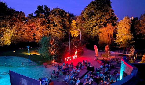 <p>Het Internationaal Film Festival Gorinchem (IFFG) streek neer op het Natuurcentrum in het Gijs van Andelpark.</p>