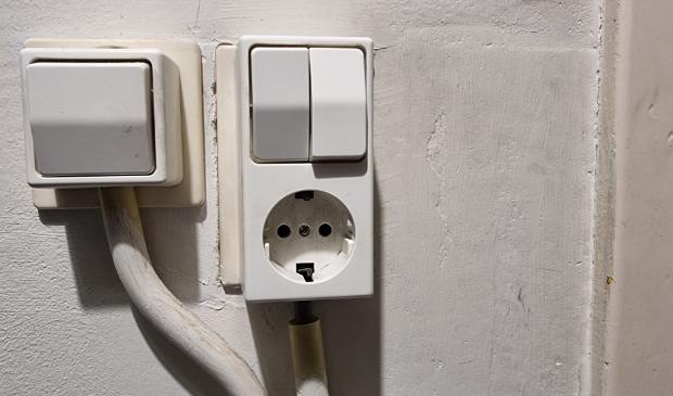 <p>,,Nog &eacute;&eacute;n keer aandrukken dat knopje en dan is het sloes met dat gehannes.&#39;&#39;</p>