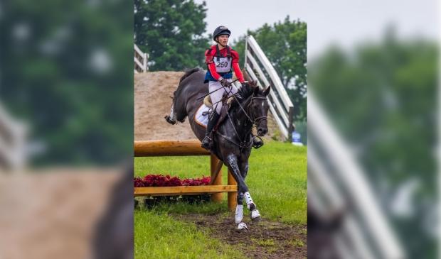 Maxime maakte vorig jaar de overstap van de pony's naar de paarden. eigen foto © BDU media