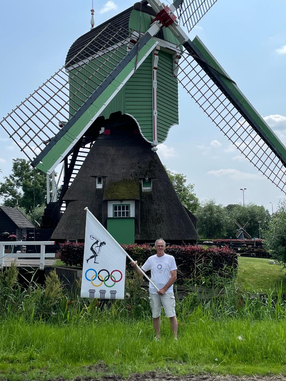 Cees bij een Gorinchemse molen, een passende Hollandss achtergrond Rudy Breddels © BDU Media