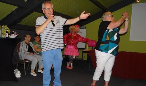 Jan en Riet Wieman tijdens een van de jaarlijkse uitjes van Onder Ons