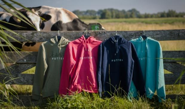 Zelfs de Puttense koeien vinden de truien mooi