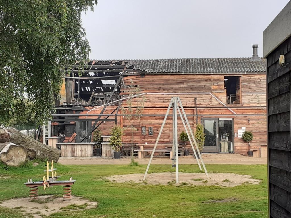 <p>Het restaurant na de brand van afgelopen weekend</p>