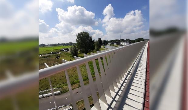 <p>Uitzicht vanaf de fiets- en wandelbrug over de Gaasp.</p>