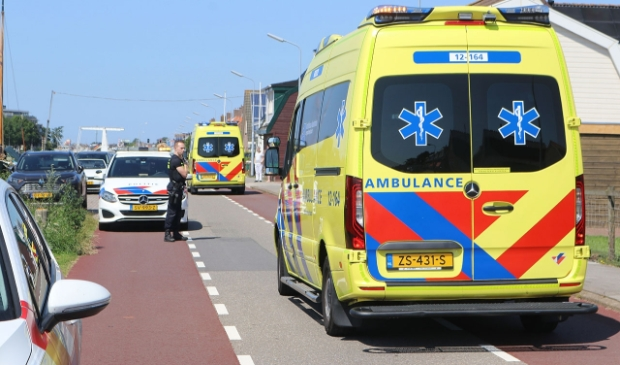 <p>Meerdere ambulances en een traumahelikopter kwamen ter plaatse om hulp te bieden aan het slachtoffer.</p>