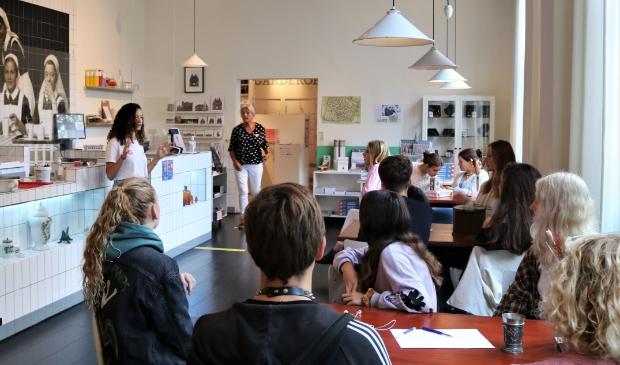 <p>Leerlingen van het Kennemer op bezoek bij het Museum Haarlem.&nbsp;</p>