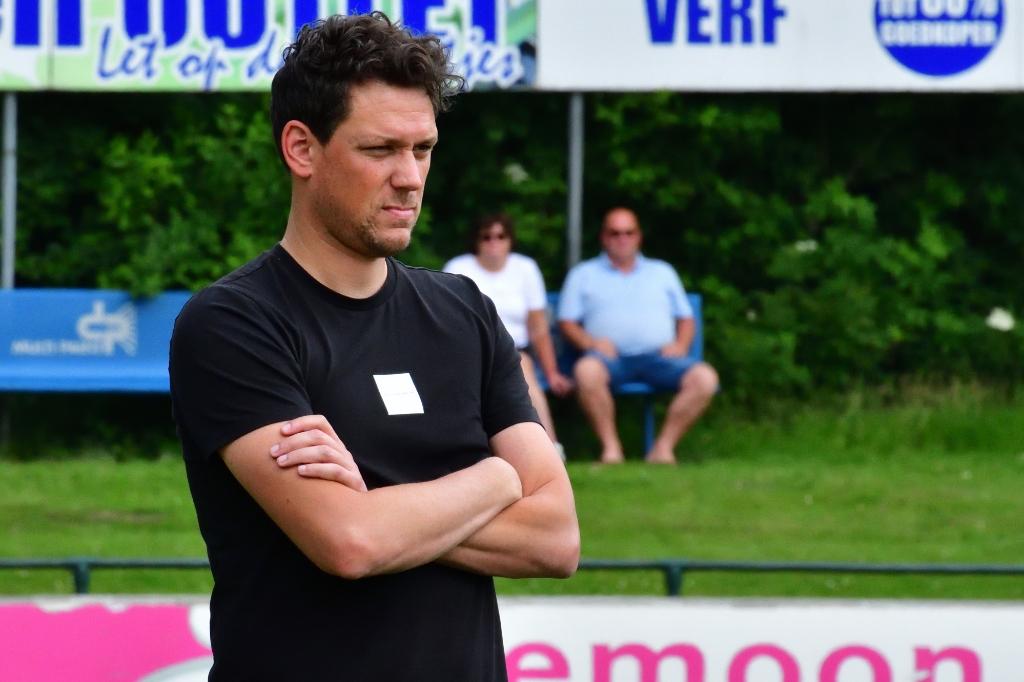 <p>Trainer Mark Bakker verwacht zaterdag 4 september een lastige wedstrijd zaterdag tegen Urk.&nbsp;</p>