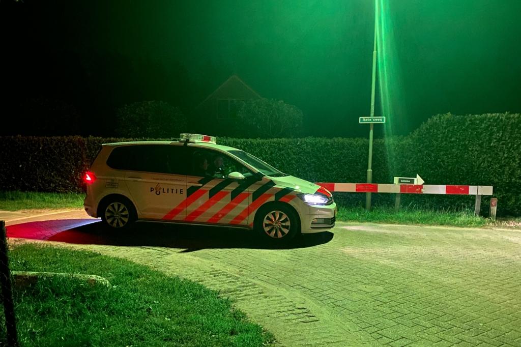 De politie nam op strategische plekken positie in Donkersgoed Multimedia © BDU media