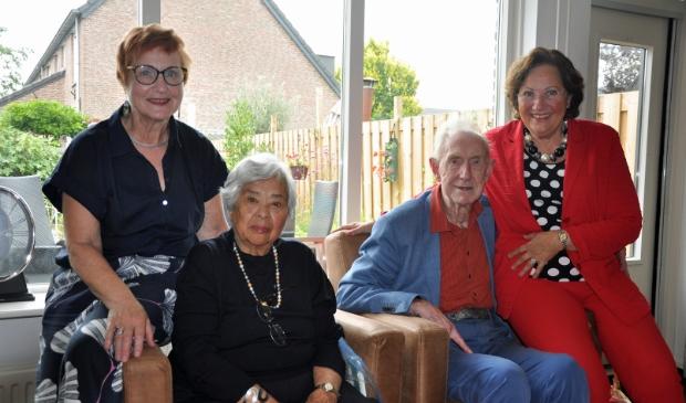 <p>Locatieco&ouml;rdinator Angela Brouwer, Yvonne Bakker, Jan Peters en vrijwilligster Evelien van Mossel.</p>
