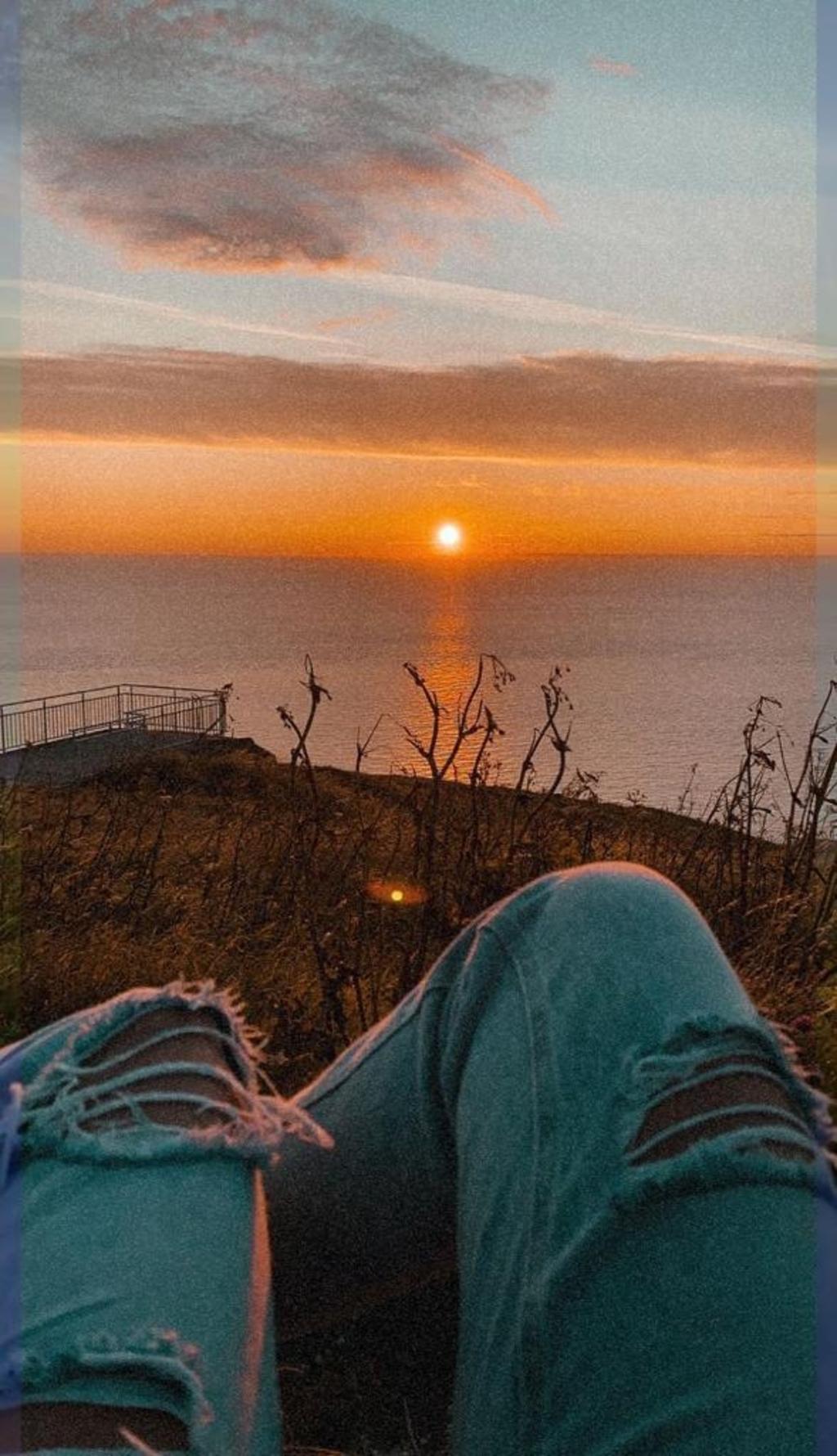 """,,Deze foto is gemaakt op woensdag 11 augustus, zonsondergang in Calais (Frankrijk).""""  Kato van de Vlasakker © BDU Media"""