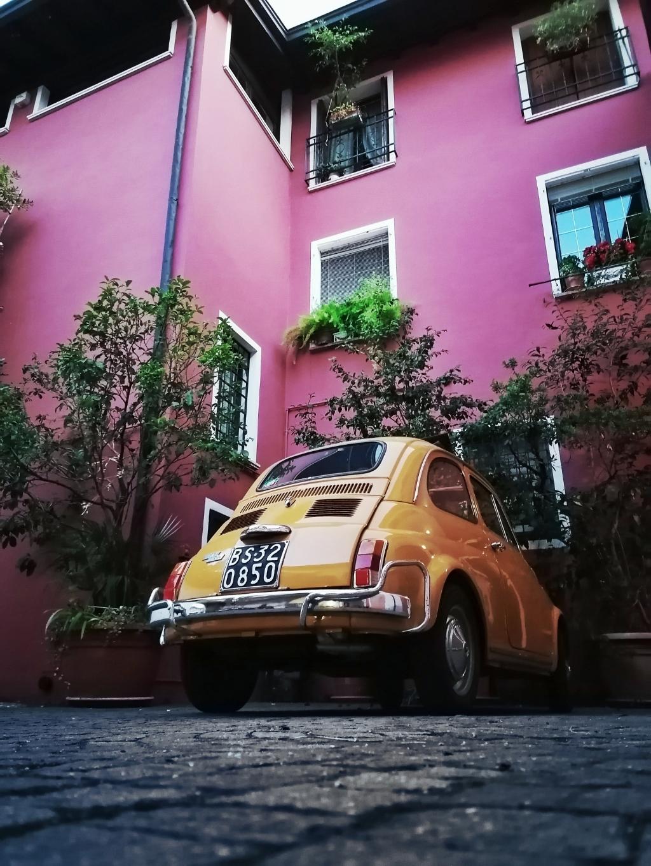 """,,Deze sfeervolle foto van een oude Fiat 500 is gemaakt in Moniga Del Garda in Italië op 31 Juli."""" Christijn Drenth © BDU Media"""