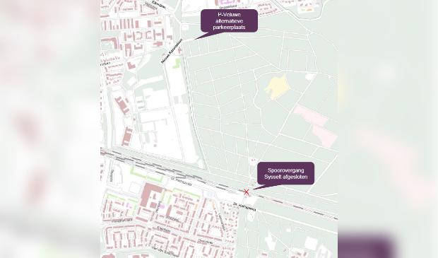 Automobilisten kunnen gebruikmaken van de parkeerplaats P-Veluwe bij het voormalig PMT-gebouw. Spoorzone Ede © BDU Media