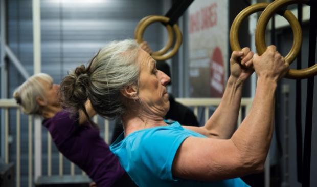<p><br>Janny: ,,Door de goede begeleiding, grote variatie in oefeningen en de uitdaging met mezelf merkte ik binnen een aantal maanden al resultaat. Meer kracht en soepelheid bijvoorbeeld. Een echte aanrader!&quot;</p>