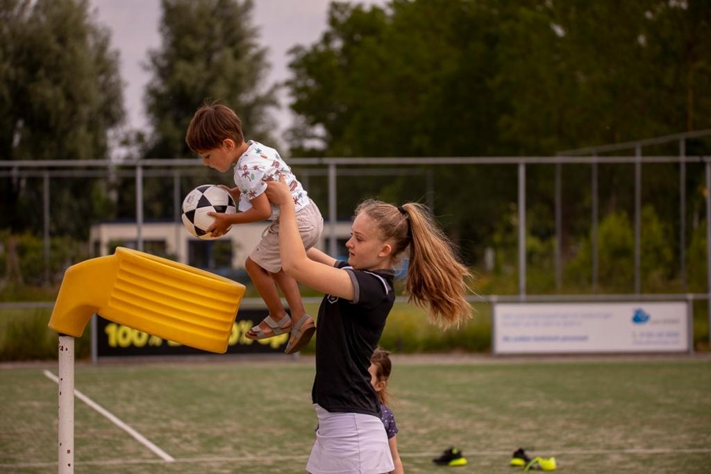 """,,Kinderen zijn welkom vanaf 4 jaar, ook ouderen zijn van harte welkom!"""" Bernadette Struijk  © BDU media"""