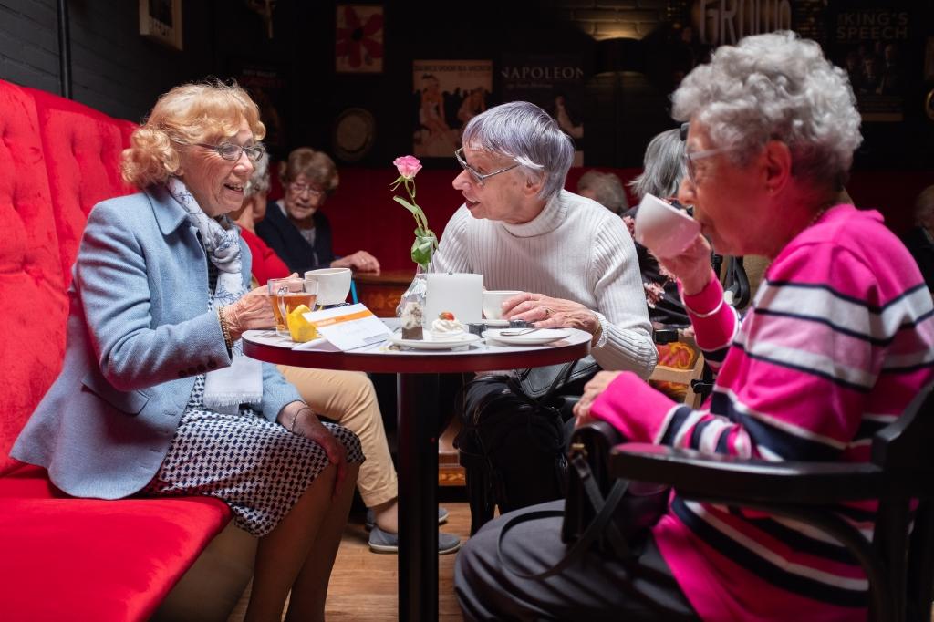 Theater de Speeldoos is bij senioren een geliefde bestemming voor een uitstapje van Vier het Leven. Reinout van Roekel | Fotografie © BDU media