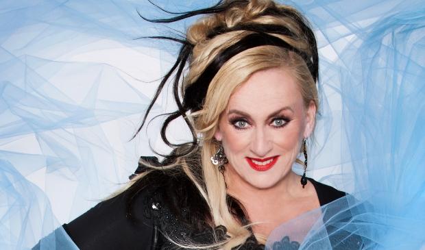 <p>Karin Bloemen staat 1 december op het podium in de Schouwburg.</p>