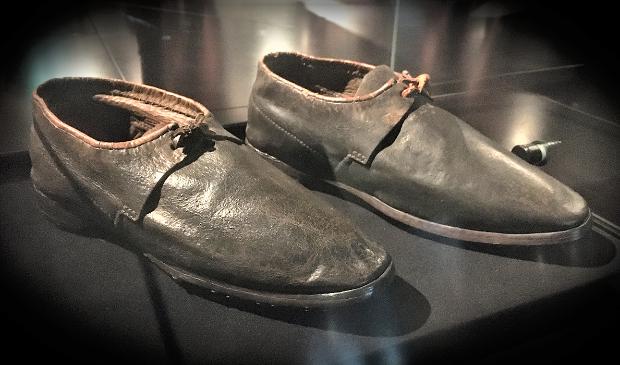 De oudste militaire schoenen als verborgen parels gepresenteerd.