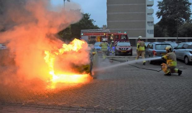 <p>De brandweer had de handen vol aan de brand op de Veenbesstraat.&nbsp;</p>