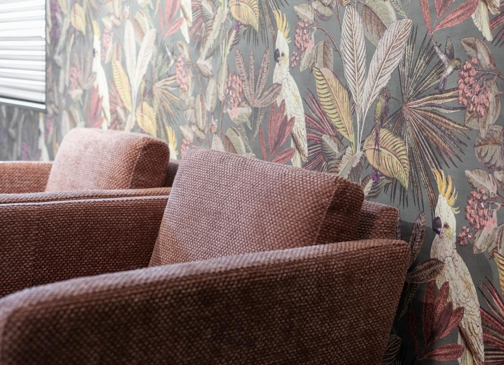 Een wachtkamer kan zowel huiselijk als modern ingericht worden. Nanette de Jong © BDU media