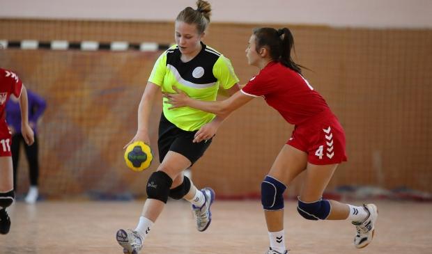 <p>Handbal is een sport die steeds meer in de belangstelling staat </p>