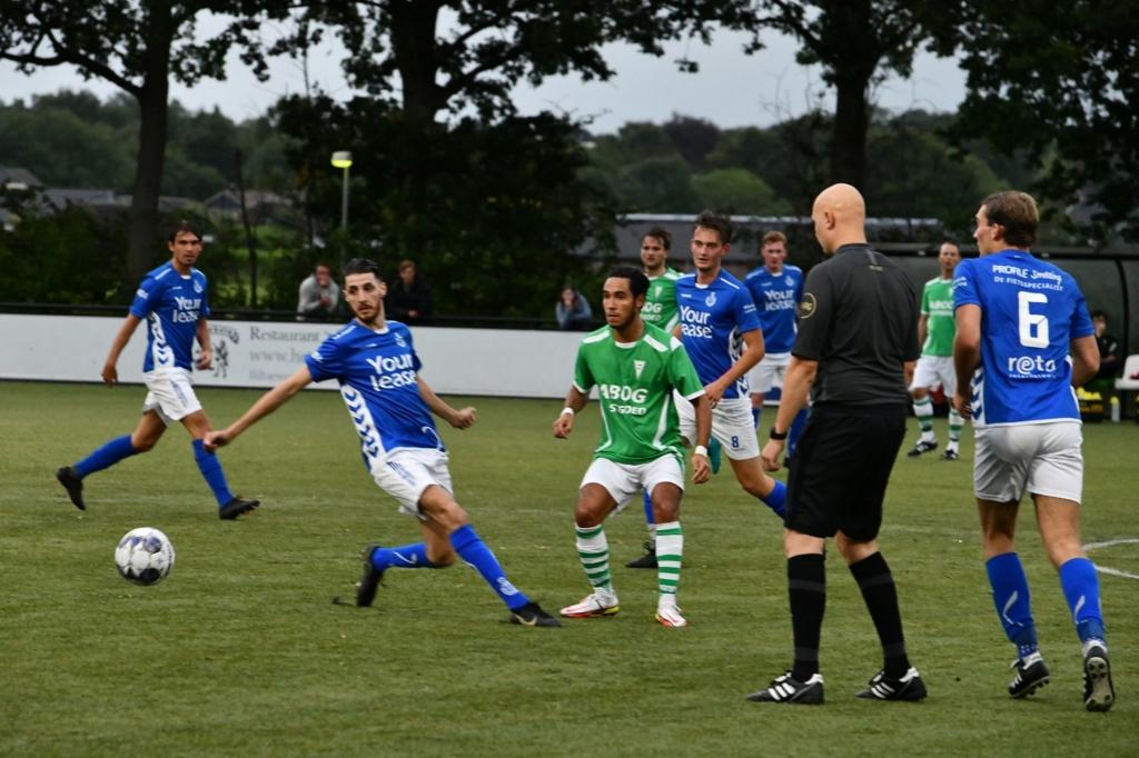 Een levendige wedstrijd, beide ploegen hadden er zin in Jaap van den Broek © BDU media