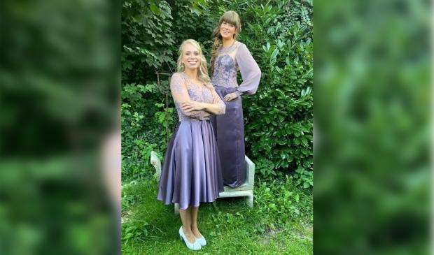 <p>Daphne van Seventer en Juliette van der Burg zijn de nieuwe heidehoogheden voor komend jaar.</p>