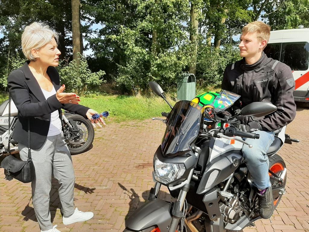 Ook burgemeester Iris Meerts van Wijk bij Duurstede was bij de actie aanwezig. Gemeente Utrechtse Heuvelrug © BDU