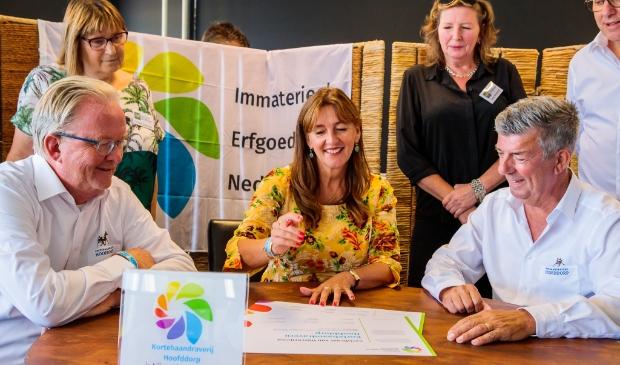 In het bijzijn van wethouder en locoburgemeester Marja Ruigrok is de kortebaan Hoofddorp bijgeschreven in het Register voor Immaterieel Erfgoed.
