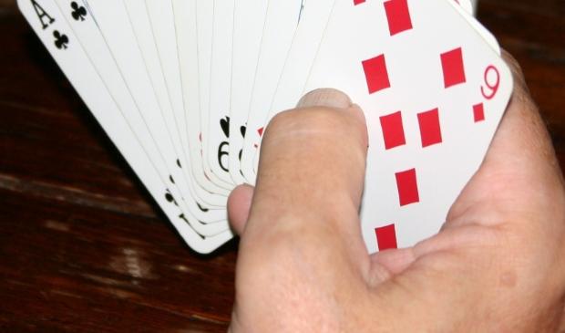 kaarten in de hand en spelen maar!