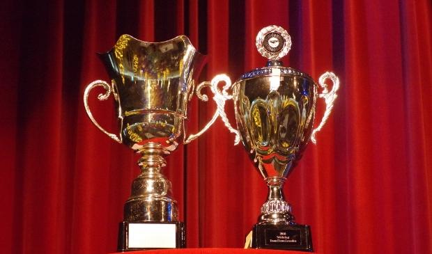 wisselbekers Leusdense Vrijwilligerstrofee en AFAS Aanmoedigingsprijs