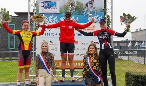 <p>Merel Hartog wist in de Omloop van Noordwest Overijssel een podiumplaats te bemachtigen</p>