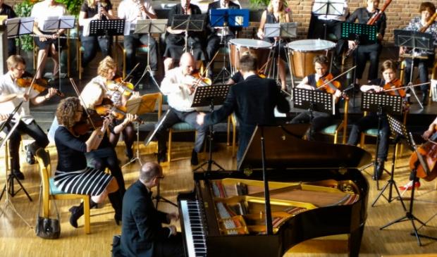 Het HKO tijdens concert in Leverkusen (DE)
