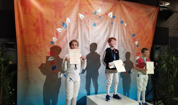 Remco Willemen behaalt de tweede plek in de categorie U12 op degen