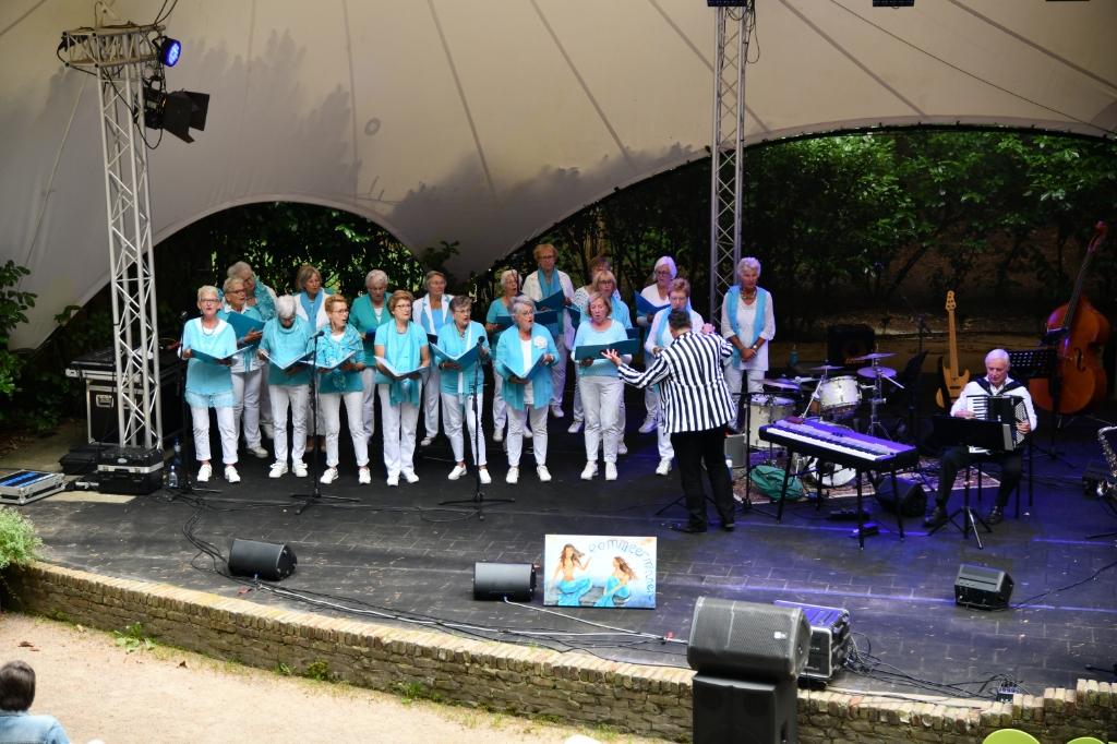 Ook in Cabrio werden verschillende optredens gegeven door lokale gezelschappen. Jaap van den Broek © BDU media