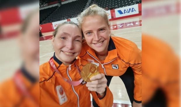 <p>De Doorwerthse rolstoelbasketbalster Mariska Beijer is trots op haar gouden medaille.</p>