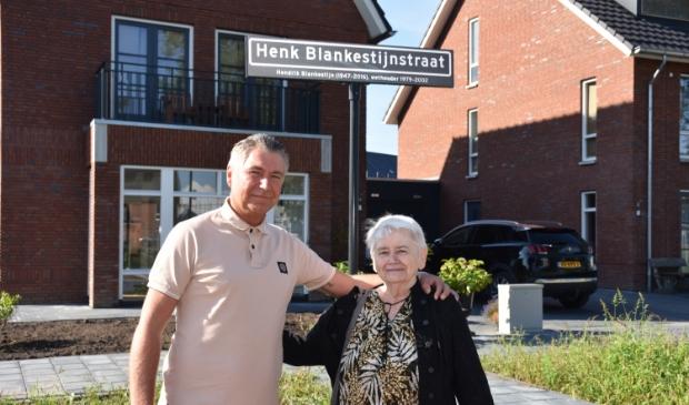 Johan en Jans zijn ontzettend trots met de Henk Blankestijnstraat.