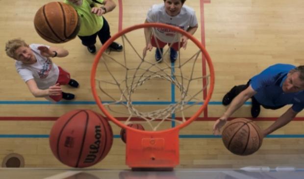 Start OldStars Walking Basketball