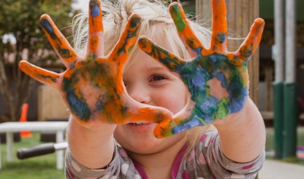 Kinderen leren omgaan met emoties en spanningen.