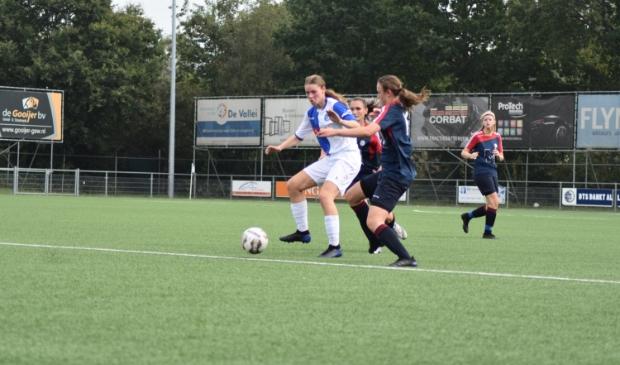 Jill Pijnappels scoorde het eerste doelpunt van de competitie.